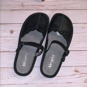 Alegria Black Leather Size 38 W  Mules Shoes